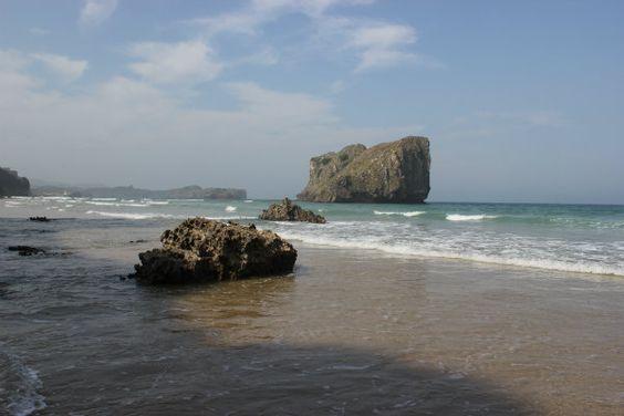 Playa de San Martin en Poo de Llanes. Vista