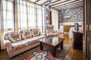 IZ3A1223peq 300x200 - Nuestra Casa