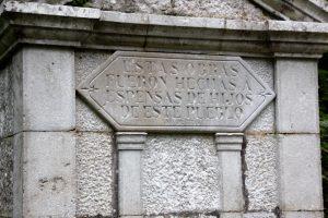 Fuente de Puertas de Vidiago en la subida al Idolo de Peña Tú