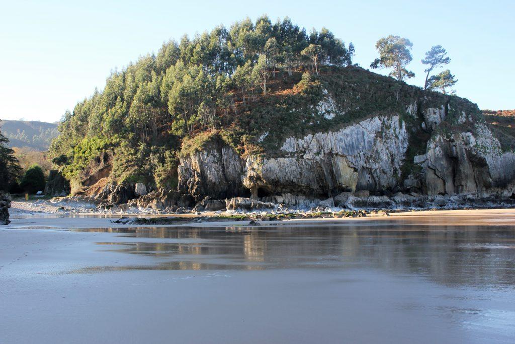 Playa de Vidiago cerca de casa rural la Boleta en Llanes