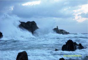 Temporal en la Costa de Llanes, las fotos. Playa de Toró y los Cubos de la Memoria