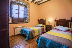 Casa Rural en Llanes la Boleta. Dormitorio Doble en Estancia Rural Llanes. Tlfno 620 72 42 79