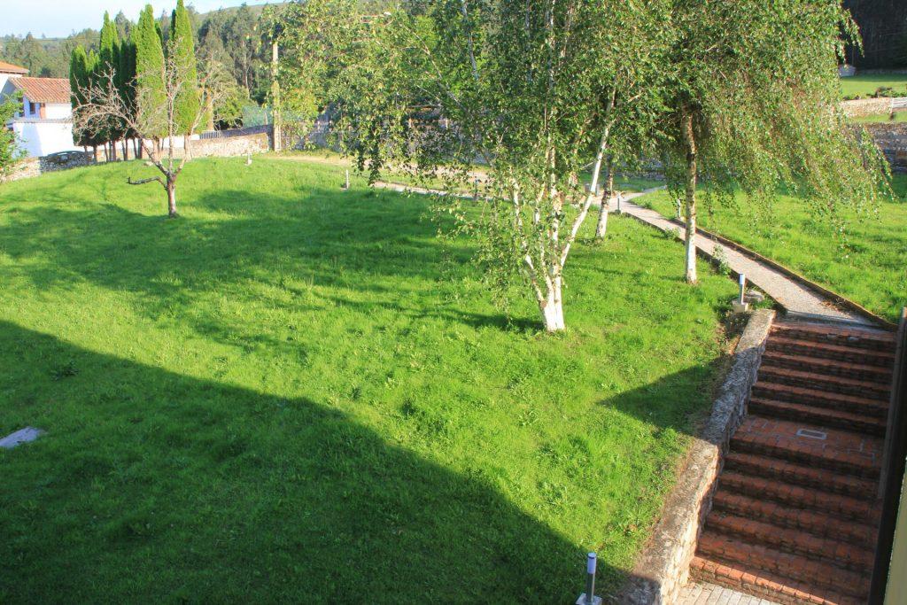 Acceso y aparcamiento de Casa Rural la Boleta